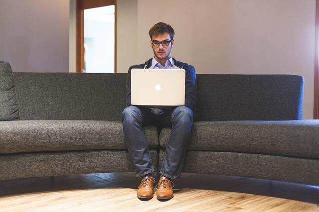 Jak rozpocząć swój pierwszy biznes w internecie.