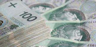 Czy warto korzystać z pomocy pośrednika kredytowego